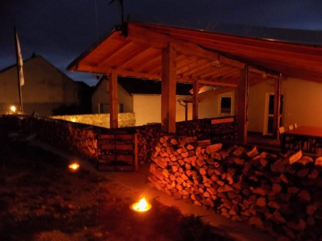 gite avec spa nordique, spa suédoise, location vacances, appartement, chemine, poêle a bois, pour la famille, pour groupe des amis, bain nordique, jardin,gite a Vitrey sur Mance